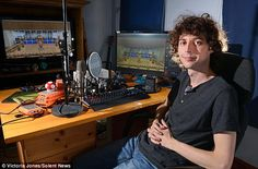Joseph Garrett, pictured, also known as Stampylonghead has a degree in TV and video production. That came in handy for youtubing! Minecraft Stampy, Minecraft Comics, Minecraft Videos, How To Play Minecraft, Minecraft Stuff, Stampy And Squishy, Joseph Garrett, Famous Youtubers, Danisnotonfire