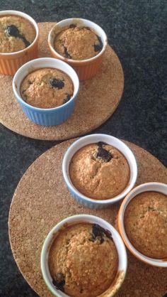 Havermout bleu berry muffins. Recept van Uit Pauline's Keuken - http://uitpaulineskeuken.nl/2013/09/havermoutmuffins-met-blauwe-bessen.html