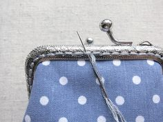 the edges on both sides. Determine the middle of the clasp counting the number of its holes. Coin Purse Tutorial, Zipper Pouch Tutorial, Tote Tutorial, Tutorial Sewing, Small Coin Purse, Mini Purse, Diy Crafts To Sell On Etsy, Clutch Bag Pattern, Embroidery Purse