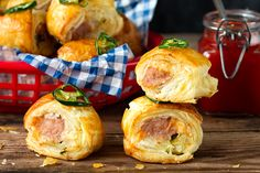 You can make Cheesy Jalapeño Sausage Rolls with only 5 ingredients.
