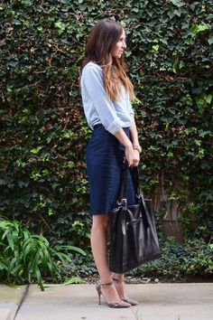 How to Be the Most Stylish Girl in the Office: 13 Ways to Wear a Pencil Skirt This Fall Ideen für das Büro-Outfit Wie man einen Bleistiftrock stylt Pencil Skirt Work, Blue Pencil Skirts, Pencil Skirt Outfits, Blue Skirts, Formal Business Attire, Business Casual Dresses, Corporate Attire, Office Wear Dresses, Office Outfits