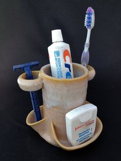 AllInOne Toothbrush Holder by PalmsUpPottery