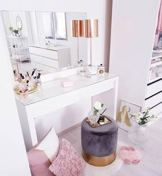 Small but sooooo! Soft velvet stool changes every room instantly … – Schlafzimmer ♡ Wohnklamotte – Home Decor My Room, Girl Room, Girls Bedroom, Bedroom Decor, Bedroom Ideas, Bedrooms, Ikea Bedroom, Bedroom Designs, Bedroom Inspiration