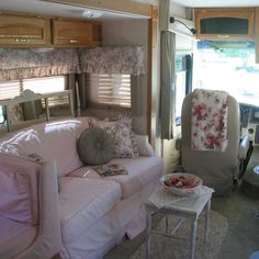 It is so easy to like pink  THIS IS THE FIRST MOTOR HOME PICTURE I'VE SEEN...& THAT HAS BEEN REDECORATED.