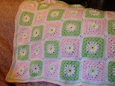 Daisy granny square baby blanket finished in time for Shelby (11-12)