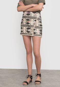 que es un personal shopper - falda estampado navajo