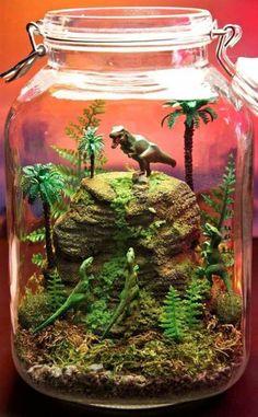 jurassic park world Jurassic Park Dinosaur World Terrarium / Diorama by Indoor Garden, Indoor Plants, Terrariums Diy, Terrarium Plants, Glass Terrarium, Dinosaur Garden, Dinosaur Dinosaur, Dinosaur Party, Deco Nature