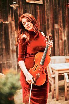 Melinda Mihaela IOJA | Violistă | Îmi place să fac totul cu drag și cu mult suflet