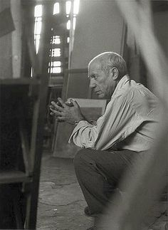 liquidnight:Herbert List Picasso in his Studio Rue des Grands-Augustins, Paris, 1948 From The Essential Herbert List: Photographs photography black and white Herbert List, Pablo Picasso, Picasso Drawing, Georges Braque, Francisco Goya, Henri Rousseau, Famous Artists, Great Artists, Malaga