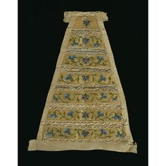 1750 France ou Italie  Stomacher straw splints couched to linen, with silk and silver thread embroidery