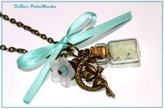 Kette mit Fläschchen und Fee nachtleuchtend von DaBea's PerlenMaschen auf DaWanda.com
