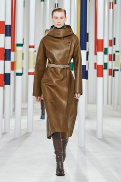Hermès Fall 2020 Ready-to-Wear Collection - Vogue Fashion Week, Fashion Pants, 90s Fashion, Indian Fashion, High Fashion, Boho Fashion, Fashion Tips, Hermes, Fur Skirt