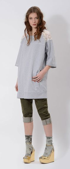 #oversize #sweatshirt with #lace on shoulder and #dyed #military #green pants #CALIFORNIA #COLUMBIA