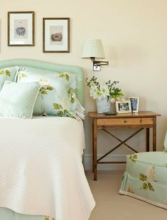 Gorgeous aqua floral fabric—it gives this bedroom a light & airy look for a serene comfortable retreat❣