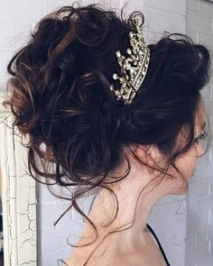 Ulyana Aster Romantic Long Bridal Wedding Hairstyles_16 ❤ See more: http://www.deerpearlflowers.com/romantic-bridal-wedding-hairstyles/