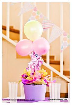 Para el Cumple N° 2 de Mia realizamos la Ambientación del Salón de Quinta Paimún con la temática My Little Pony. Mesa Infantil con Banner ...