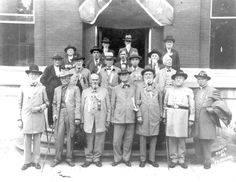 Confederate veterans at the Alachua County courthouse in 1925 Vintage Florida, Old Florida, State Of Florida, Gainesville Florida, Kissimmee Florida, Confederate Monuments, Confederate States Of America, Us History, Local History