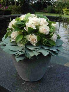 Fake Flowers, Amazing Flowers, Fresh Flowers, Beautiful Flowers, Deco Floral, Arte Floral, Flower Centerpieces, Flower Decorations, Grave Decorations