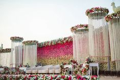 Reception Stage Decor, Wedding Stage Backdrop, Wedding Backdrop Design, Desi Wedding Decor, Wedding Hall Decorations, Wedding Reception Design, Wedding Mandap, Engagement Stage Decoration, Marriage Decoration