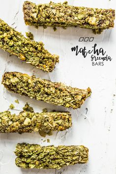 Matcha Greenola Bars - Get this quick and easy healthy matcha granola bar recipe on the Move Nourish Believe blog now! #recipe #healthy #granola #cooking #food