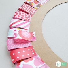 Be Mine Valentine Wreath - The Happy Scraps Creating this Be Mine Valentine Wreath is simple and will be a fun piece to add to your Valentine's day decor. Get the tutorial at The Happy Scraps. Valentine Day Wreaths, Valentines Day Decorations, Valentine Day Crafts, Holiday Wreaths, Easter Crafts, Printable Valentine, Winter Wreaths, Homemade Valentines, Spring Wreaths