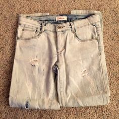 Jake Jeans Jake Jeans size 9• Acid wash and ripped• In great condition• The length has been altered so if your tall they might be to short for you. Might fit like cropped jeans. Jake jeans  Jeans Ankle & Cropped