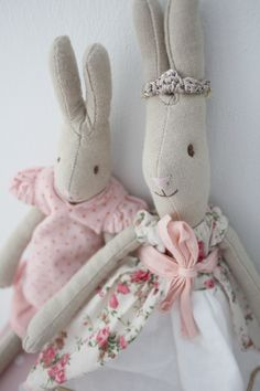 In our new dresses watching television. Easter Toys, Easter Peeps, Maileg Bunny, Rabbit Toys, Doll Quilt, Waldorf Dolls, Sewing Toys, Soft Dolls, Softies