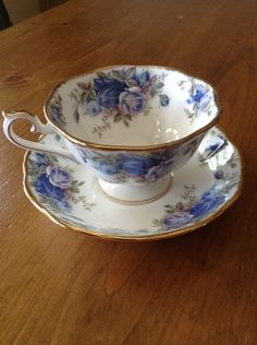 "ROYAL ALBERT ""Moonlight Rose"" Teacup & Saucer"