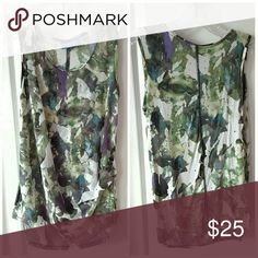 """🌟New Arrival 🌟 Simply Vera Vera Wang Green, Purple, White Shapely Cut, side gather and layering flatter any figure. Versatile for pairing with jeans or leggings. MEASUREMENTS: 23 1/2"""" LENGTH, FLAT ARMPIT TO ARMPIT 17 1/2"""" POLY/Cotton blend. Excellent Pre-Loved Condition. 💖💖 Simply Vera Vera Wang Tops"""