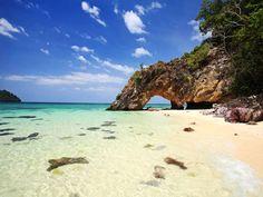 Já a ilha de Koh Lipe é uma ótima pedida para quem quer fugir de destinos muito turísticos e cheios.... - Fornecido por Pureviagem