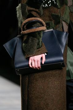 Fendi Fall 2014 Ready-to-Wear Accessories Photos - Vogue