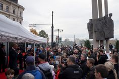 Bratislava's newest low-floor tram attracted quite a crowd at a press conference downtown today. Be listening to the Tuesday show (11/11) for a summary & run-down of the new machine.