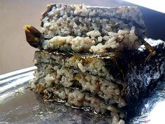 Σαρμαδάκια, ή νηστίσιμοι ντολμάδες χωρίς κιμά, σε φόρμα κέικ, ιδανικά για μπουφέ. Πρωτότυπη συνταγή για νηστίσιμα ντολμαδάκια σε φόρμα. Spanakopita, Us Foods, Vegetables, Ethnic Recipes, Desserts, Christmas, Tailgate Desserts, Xmas, Deserts