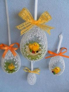 Ostern DIY Easter egg basket from thread # thread # Easter egg basket Car Bras For New Fashion Anyti Easter Egg Basket, Easter Eggs, Easter Bunny, Spring Crafts, Holiday Crafts, Oster Dekor, Diy Y Manualidades, Egg Art, Easter Holidays