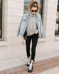 7 Combat Boots Outfit Ideas That Look Amazing - PureWow Combat Boot Outfits, Winter Boots Outfits, Winter Fashion Outfits, Trendy Outfits, Women's Fashion, Outfit Winter, Fashion Boots, Girl Outfits, Fashion Trends