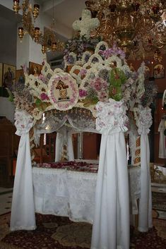 Orthodox Easter, Catholic, Christ, Table Decorations, Flowers, Home Decor, Altars, Decoration Home, Room Decor
