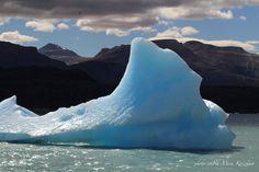 Immaginavo gli iceberg completamente bianchi, quasi trasparenti e minacciosi. Mai, davvero mai pensavo che potessero essere così belli… fino a quando non li avevo visti in Patagonia.