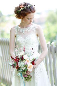 #Brautstrauß und #Blumenkranz von: Die Blumenbinderei aus Dresden
