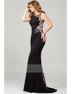 Long Sheath Bateau Neck Sleeveless Prom Dress with Yarn Back and Embroidery