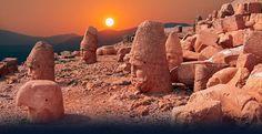 Antik çağlara ait en önemli miraslardan Nemrut Dağı, bugün dünyanın pek çok ülkesinden ziyaretçinin ilgi odağı. pic.twitter.com/Y0DI8HU0vf