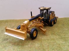 NEWS FLASH! Caterpillar 140M Front blade [Creatpshop 1:50]