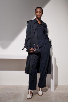 Ralph Lauren Resort 2019 Fashion Show Collection: See the complete Ralph Lauren Resort 2019 collection. Look 28