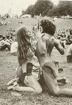 Woodstock: What people said the famous music festival was REALLY like - Click Americana Woodstock Hippies, Woodstock Music, Woodstock Festival, 1969 Woodstock, Hippie Man, Hippie Love, Hippie Style, 70s Hippie, Frases Good Vibes