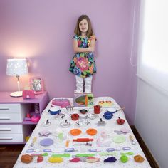 "En Uruguay. Artista: Gabriele Galimberti ""Toy Stories"".  Ver más en http://www.gabrielegalimberti.com/projects/toys-2/#"