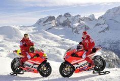 Valentino Rossi and Nicky Hayden in snow