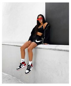 Teenage Outfits, Teen Fashion Outfits, Tomboy Fashion, Look Fashion, Fashion Shoes, Tomboy Style, Fashion Women, Mens Streetwear Fashion, Girl Streetwear