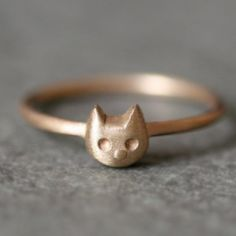 love this kitty cat ring (for me). would even consider it in gold which is something I never wear.