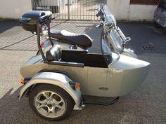 Vespa Gts 300 con sidecar di nostra produzione Vespa Gts, Sidecar, Motorcycle, Bobbers, Vehicles, Windows, Cars, Autos, Motorcycles