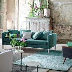 Eberson Aqua Rugs by the leading UK furnishing brand Designers Guild feature a beautiful, plain pile with a stunning ombré effect with tones of Turquoise.