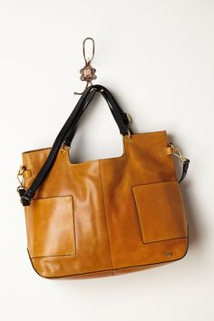 Beautiful structured tote in the most delicious caramel color.